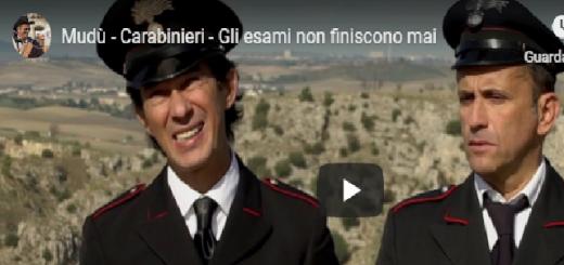 Mudù - Carabinieri, gli esami non finiscono mai, in questo video mostreremo uno show di Mudù divertentissimo su un classico dei carabinieri arricchito di scene molto comiche.